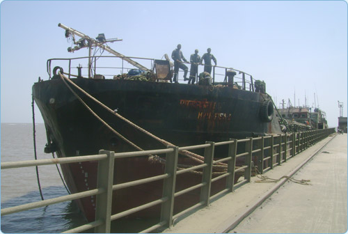 Re-floating the Grounded Barge, Grounded Barge Refloated